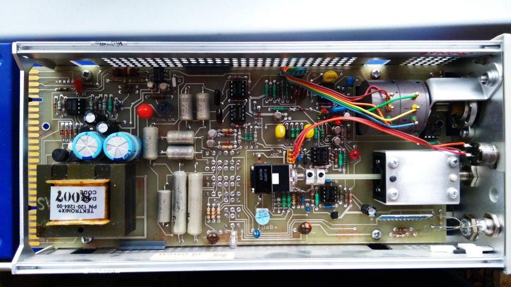 Tektronix SG505 inside - top side